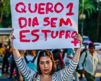 tab-estupro-manifestacao-na-av-paulista-em-sao-paulo-1465170708399_615x300