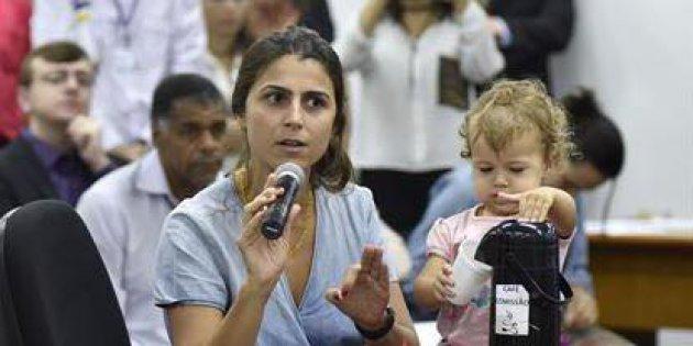 O mandato de Manuela D'Ávila e a resistência da mulher na política