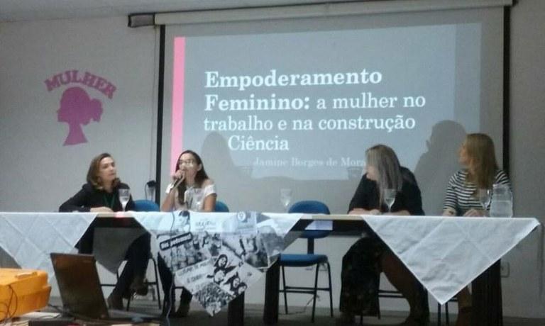Encontro discute presença feminina no trabalho e na ciência