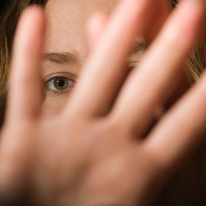 mulher-estupro-medo-panico-getty-1498665068453_v2_300x300