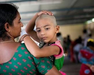 crianca-indiana-com-a-mae-1526411913744_v2_900x506