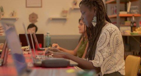 Por que faltam mulheres negras no mercado de tecnologia?