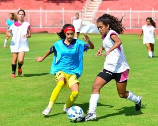 seletiva-de-futebol-feminino-foz-do-iguau_32268933641_o-850x566