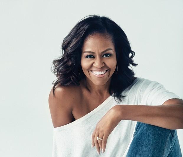 "Livro de Michelle Obama, ""Becoming"", quebra recorde de ""Cinquenta Tons de Cinza"""