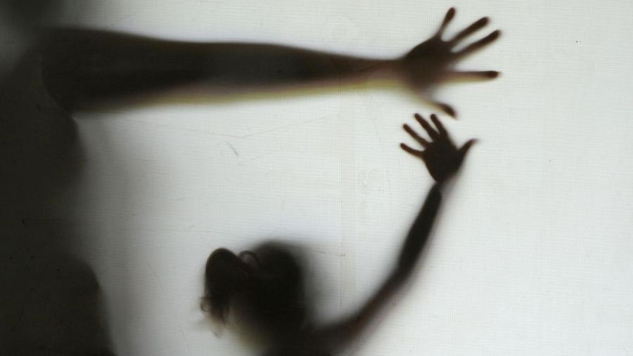Comissão aprova benefício a mulheres que se separarem após sofrer agressão
