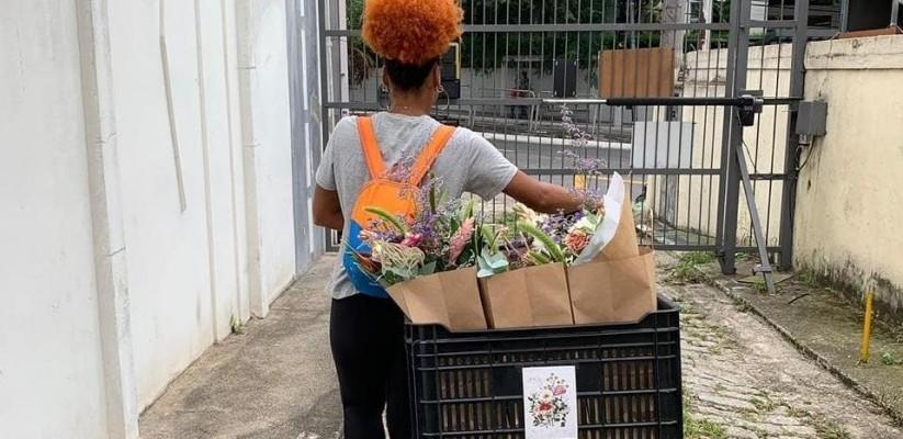 Publico-LGBTQ-trabalha-com-entregas-de-pequeno-porte-e-utilizando-a-bicicleta-como-meio-de-transporte