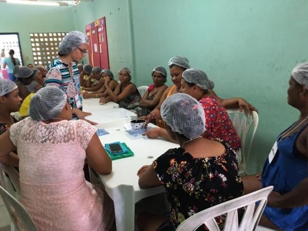 """""""Lá em casa quem manda sou eu"""": projeto no Benedito Bentes incentiva mulheres"""