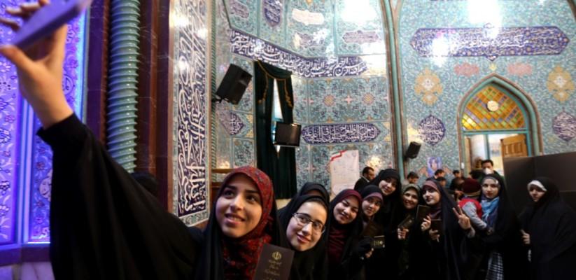 mulheres-iranianas-Foto-ATTA-KENARE-AFP