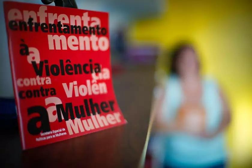 Em 5 anos, orçamento de combate à violência contra mulher cai 95%